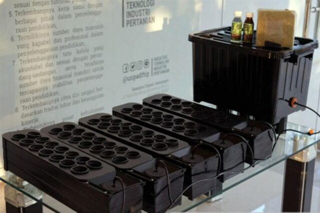 Perangkat Hidroponik Smart Watering
